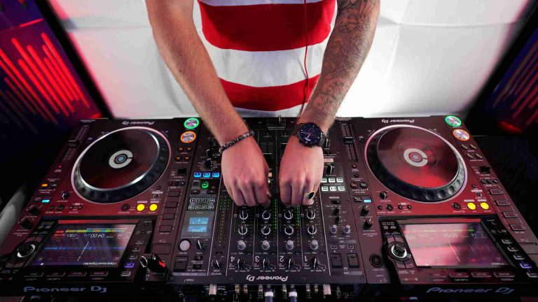 Best DJ Controllers Under $300 in 2021: Reviews & Buyer's Guide