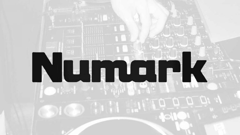 Numark Mixtrack Pro 3 Reviews: Updated 2021