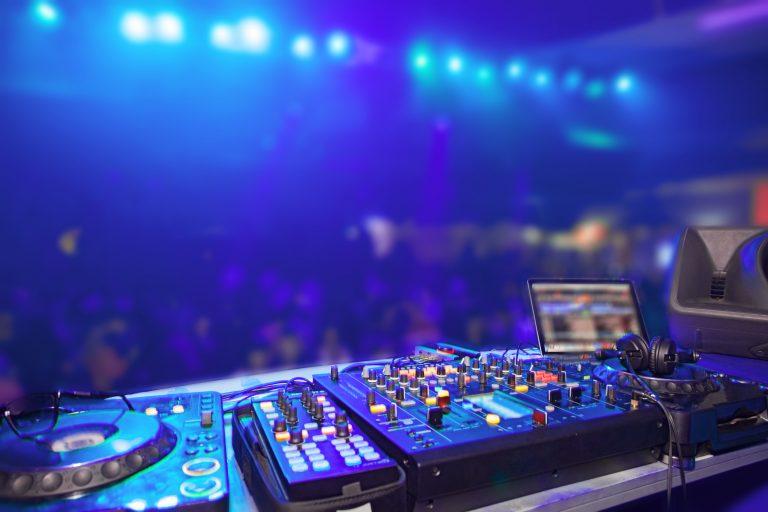 Pioneer Pro DJ DDJ SR DJ Controller Review
