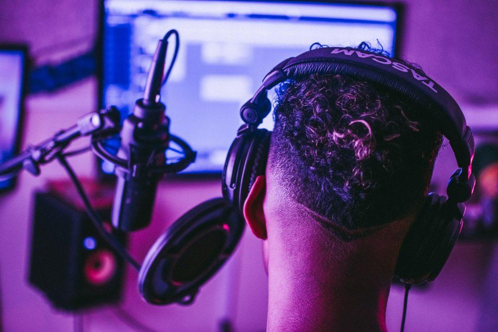 American Audio ETR 1000B DJ Headphones Review