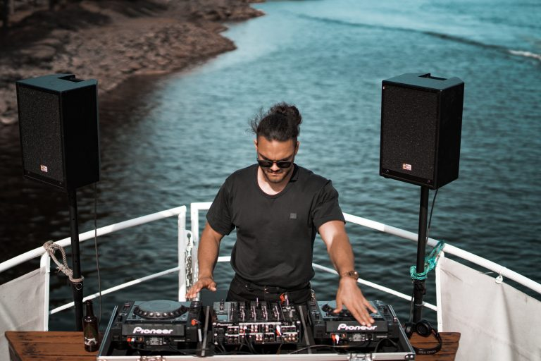 Best DJ Booth Monitor Speakers 2021: Reviews & Buyer's Guide