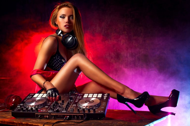 How to DJ Mix With Spotify
