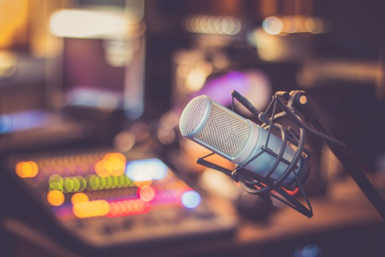 Best DJ Wired Microphone 2021: Reviews & Buyer's Guide