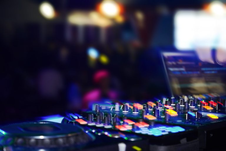 What is the Best Traktor S4 Setup?