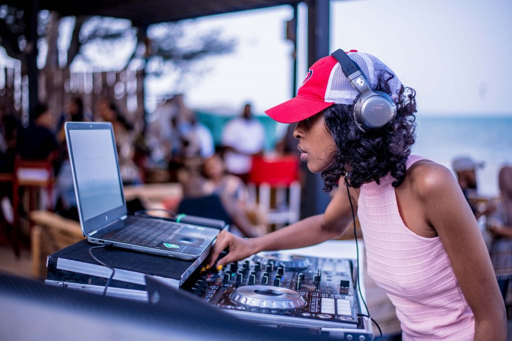 Best DJ Headphones On A Budget