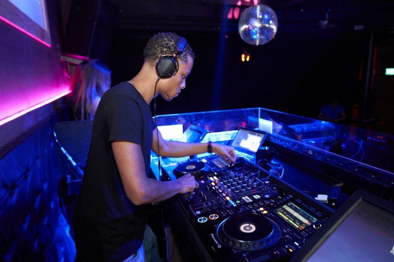 Best Cool Looking DJ Headphones 2021: Reviews & Buyer's Guide